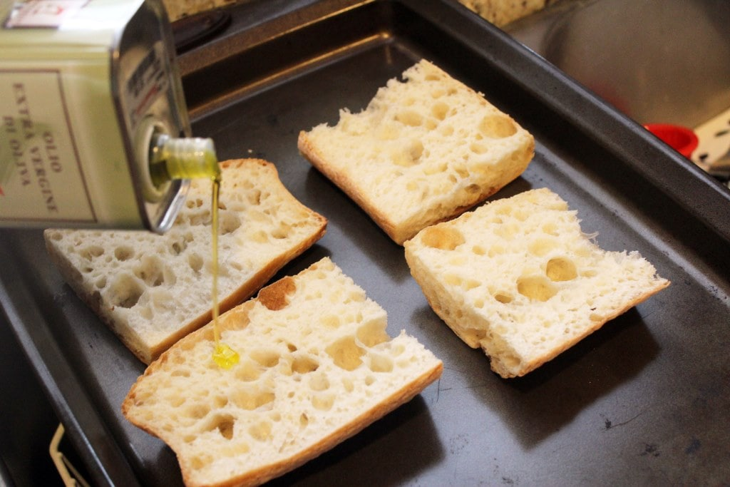 Drizzle bread with oil