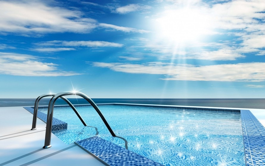 890_Swimming_Pool_With_Clear_Water