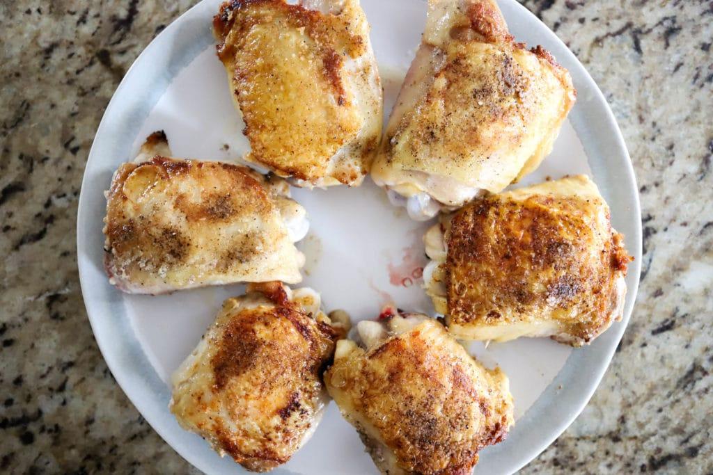 cast iron skillet chicken thighs