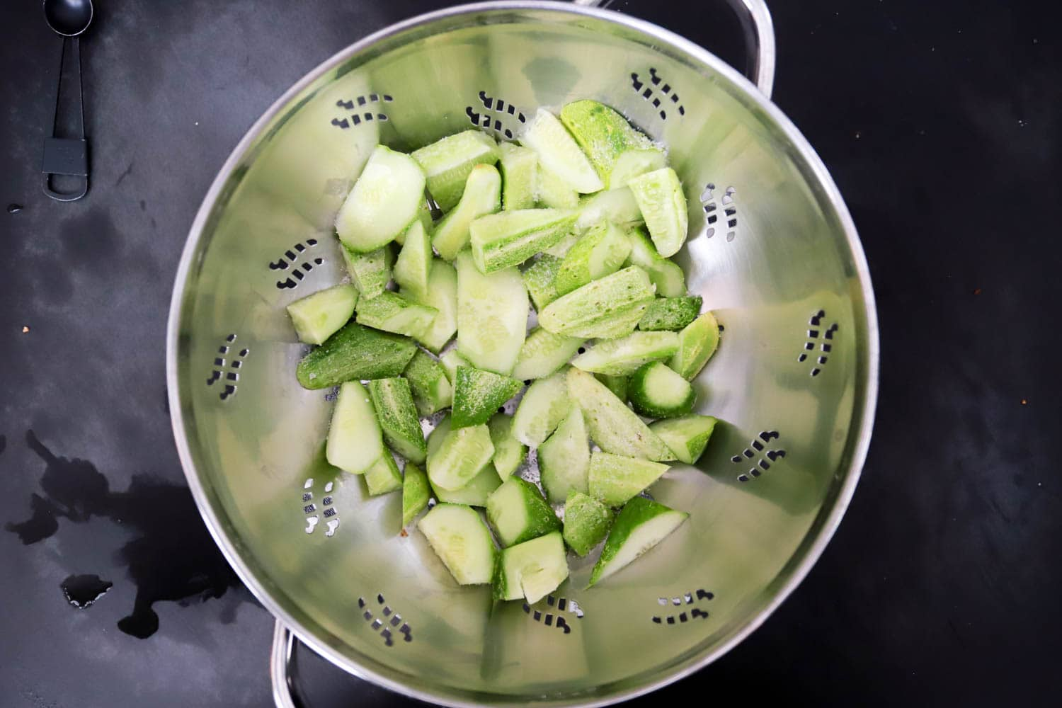 How to make smashed cucumbers easy recipe