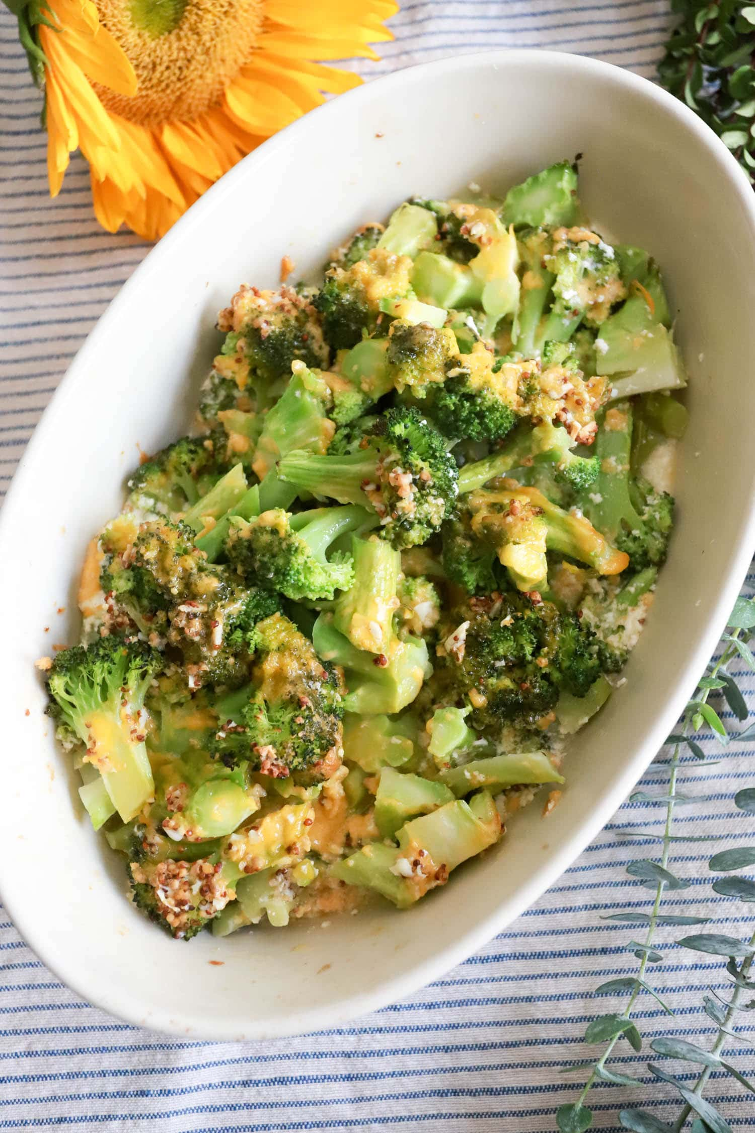 cheesy baked broccoli