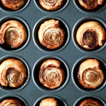 mini cinnamon rolls in mini muffin tin
