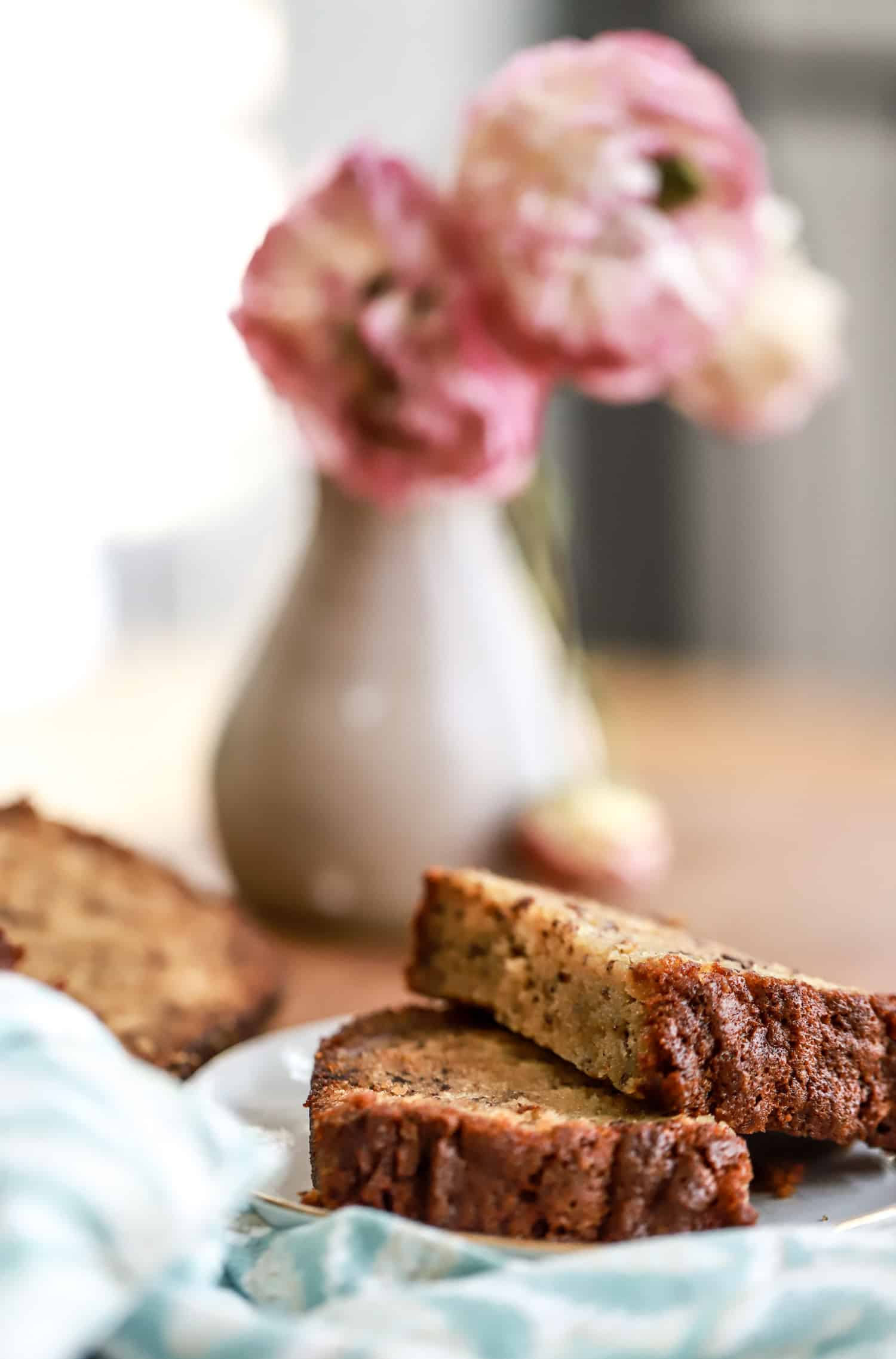 banana bread slices with flowers